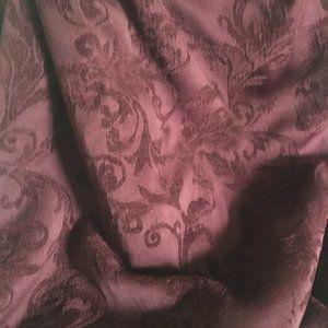 Beautiful Burgundy Jacquard Table Cloth